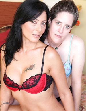 Lesbian Porn Gallerie 20